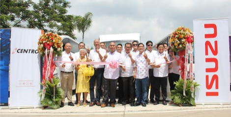 Isuzu turns over 16 modernized PUVs to Sampol-Bulac-Santa Maria-Meycauayan-Transport Service Cooperative thumbnail